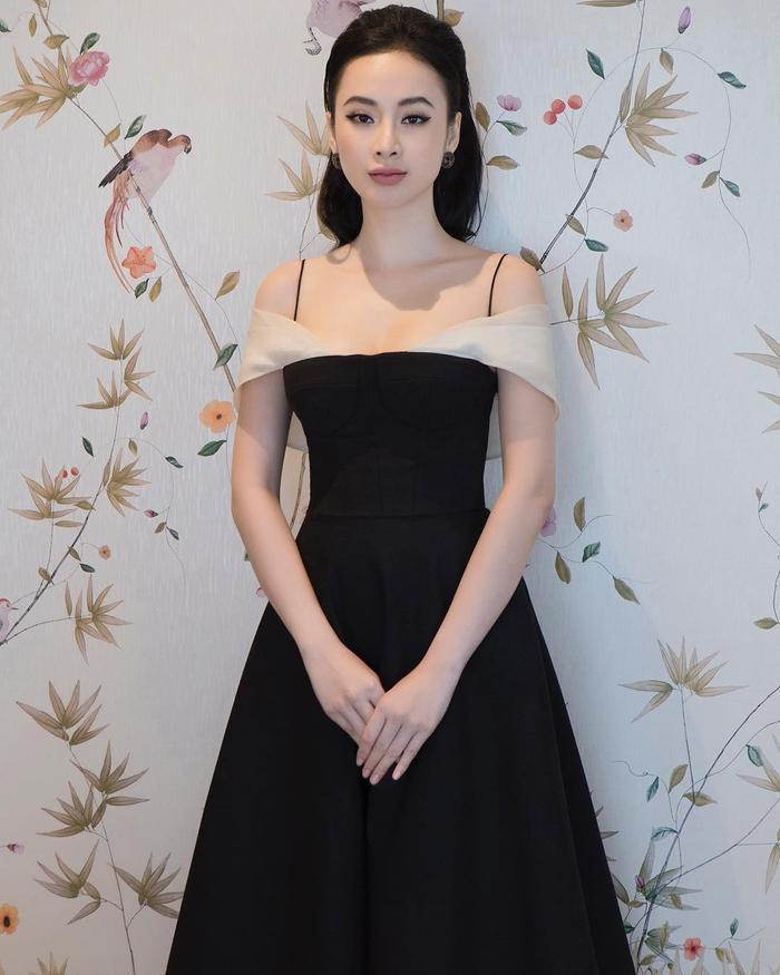 Đôi khi chỉ cần đơn giản như thế này, Angela Phương Trinh cũng đủ đẹp rồi!