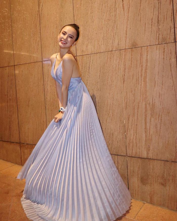 Ai rồi cũng khác, Angela Phương Trinh là minh chứng cho sự thay đổi tích cực trong phong cách của mình.
