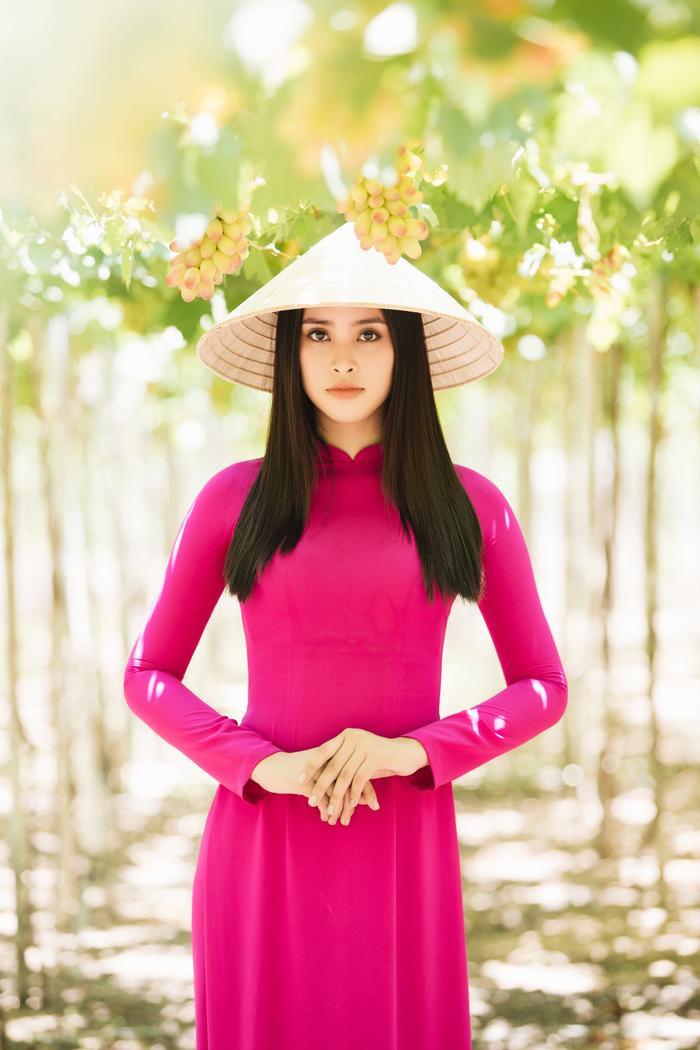 HHen Niê  Minh Tú  Tiểu Vy đồng loạt tung ảnh diện quốc phục: Mặn mà nhất vẫn là chị đẹp này! ảnh 5
