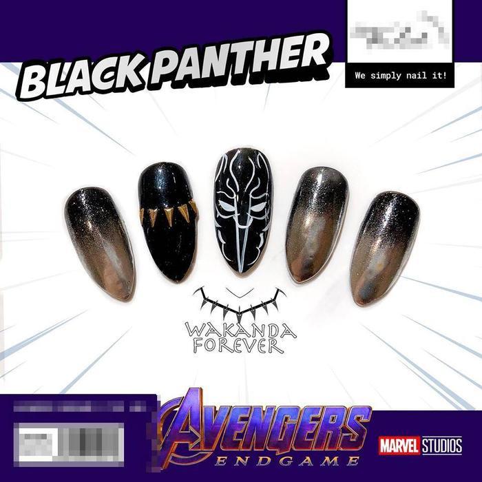 Màu đen huyền bí và quyền lực từ Black Panther.