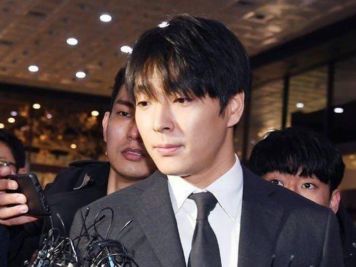 Choi Jong Hoon chính thức bị cảnh sát cấm rời khỏi Hàn Quốc để thẩm vấn về tội tấn công tình dục