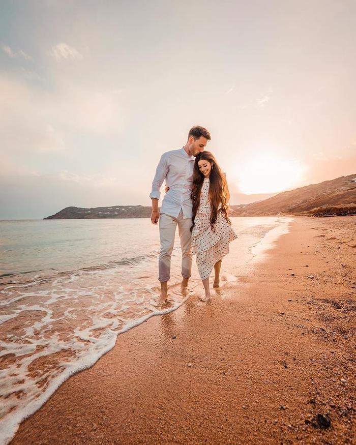 """Cặp đôi nhanh chóng trúng """"tiếng sét ái tình"""" và đính hôn sau 3 tháng hẹn hò."""