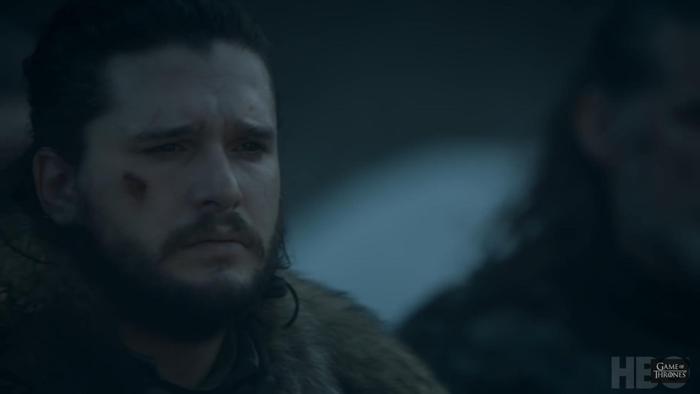 Jon Snow tiếc thương cho các đồng đội đã ngã xuống.