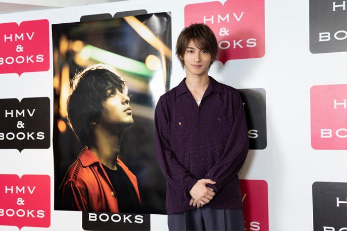 Yokohama Ryuusei bắt tay 3000 người hâm mộ tại sự kiện kỉ niệm sách ảnh thứ 2