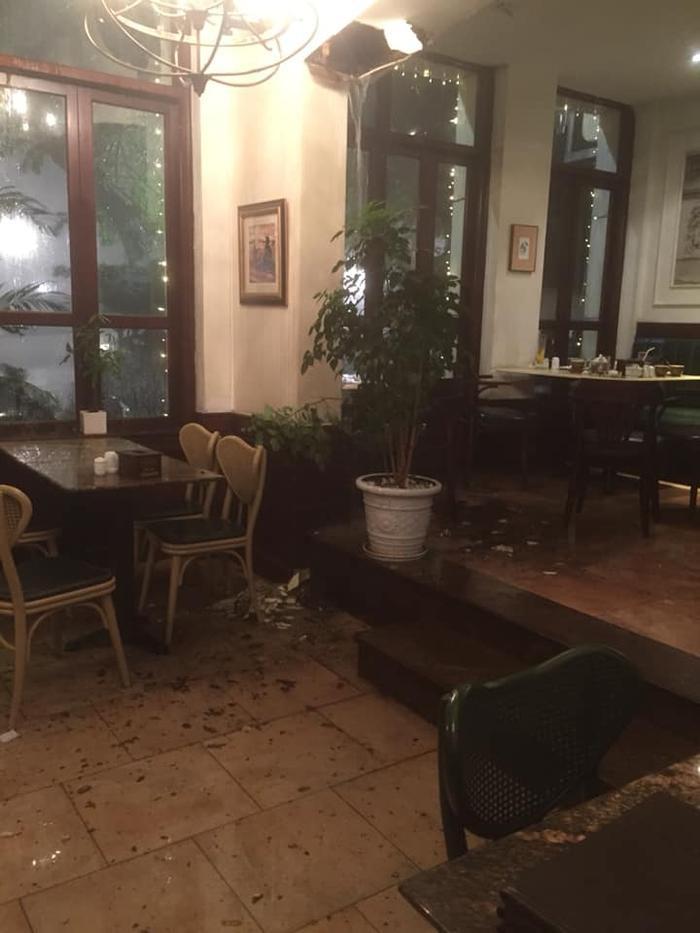 Gió lớn còn khiến gây hư hại nhiều tài sản. @Họ Hoàng.