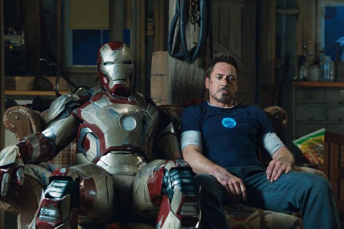 Iron Man 3 xoáy sâu vào tâm lý và chính con người Tony.
