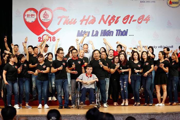 Các hoạt động của 10.000 cựu học sinh.