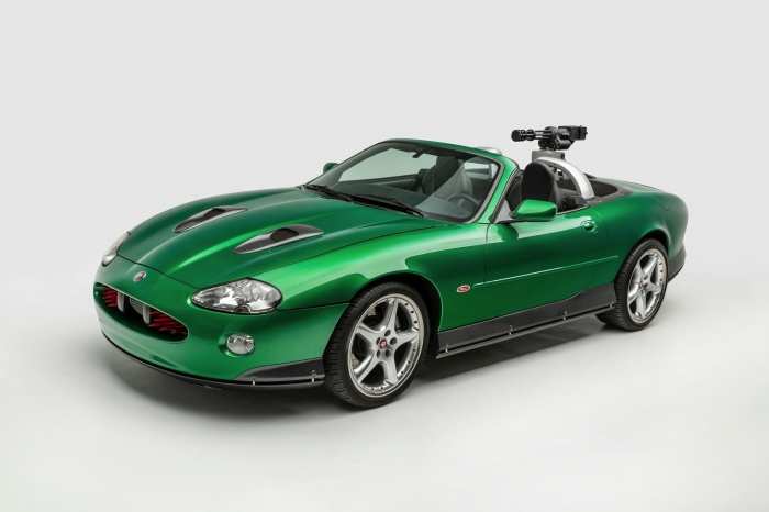 Zao's Jaguar XKR trong 'Die Another Day'