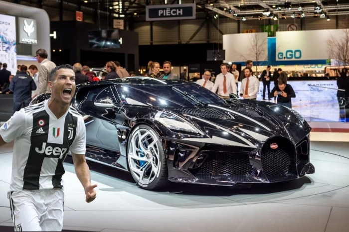 Cristiano Ronaldo đã phủ nhận tin đồn mua đứt chiếc xe đắt nhất thế giới Bugatti La Voiture Noire.