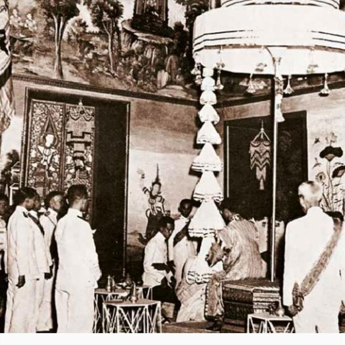 Lọng 9 tầng trong lễ đăng quang của Nhà vua Bhumibol ngày 5.5.1950. Ảnh: The Nation.