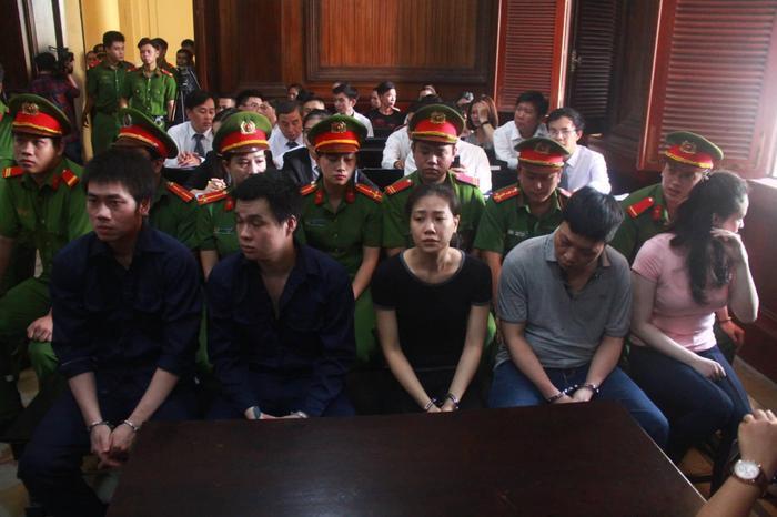 Các bị cáo trong đường dây ma túy do Văn Kính Dương điều hành. Ảnh: VTC