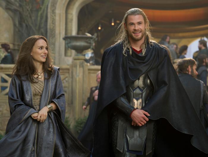 Bỏ lại bộ đồ Batman, Christian Bale sẽ chính thức trở thành nhân vật phản diện của Thor 4! ảnh 3