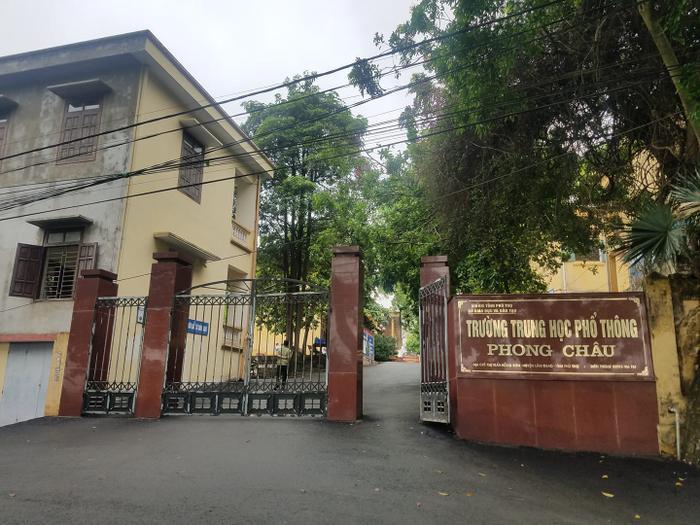 Trường THPT Phong Châu nơi nam sinh bị đồn làm 4 bạn gái mang thai theo học.
