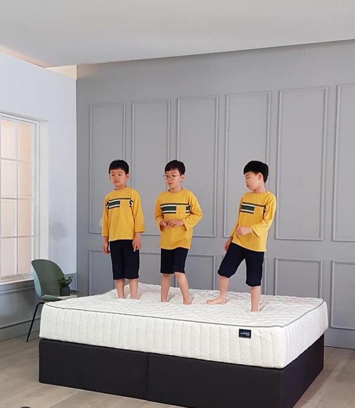 Daehan Minguk Manse tỏ lòng biến ơn, tự làm thiệp tặng Song Il Gook trong Ngày cha mẹ ảnh 10