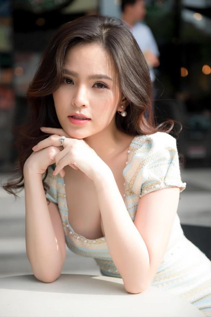 Hotgirl mì gõ Phi Huyền Trang.