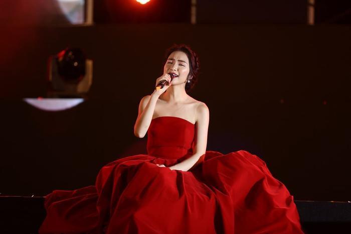 Người hâm mộ đặt kỳ vọng rất nhiều vào sản phẩm lần này của Hòa Minzy.