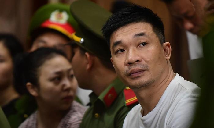Bị cáo Văn Kính Dương trong phiên tòa ngày 9/5. Ảnh: Vietnamnet.