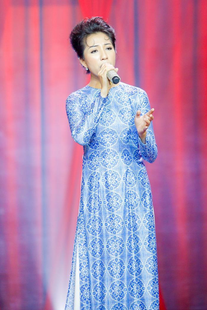 Nhận được nhiều lời khen nhưng Diệu Hồng cũng không góp mặt trong Top 5 team Quang Lê - Tố My.