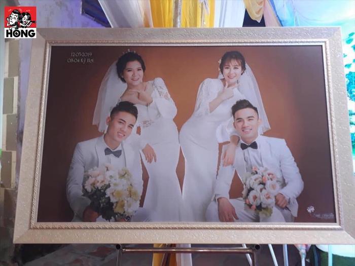 """2 cặp cô dâu – chú rể này được nhận xét đều là những """"trai tài gái sắc""""."""