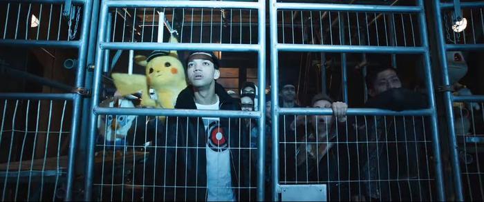 Rufflet ở bên dưới đuôi của Pikachu trong khiSquirtle xuất hiện bên mép phải trong một cảnh nhóm Pokémon bị bắt giam