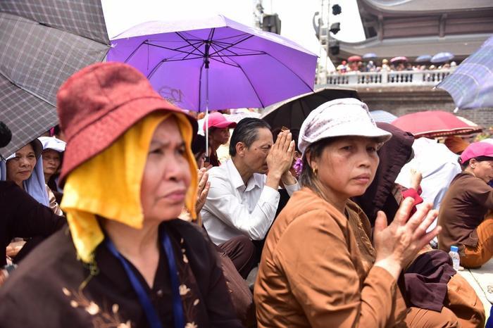 Đây là sự kiện vô cùng quan trọng của cộng đồng Phật giáo quốc tế. Trong đó, Việt Nam là quốc gia có đông đảo người dân theo đạo Phật, vì vậy từ rất sớm đã có rất nhiều đoàn Phật tử, du khách hành hương về đây để tham dự.