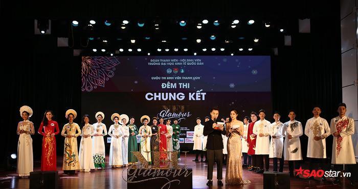 Đêm chung kết được tổ chức hoành tráng, 16 thí sinh của cuộc thi đã trình diễn phần thi trang phục dạ hội và ứng xử.