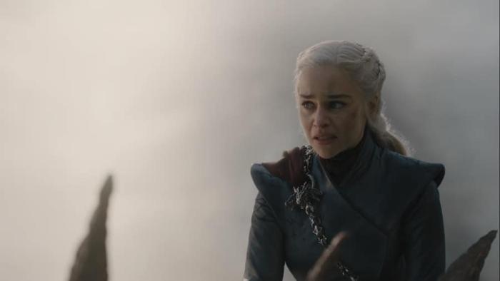 Daenerys mang Drogon thiêu sạch King's Landing.