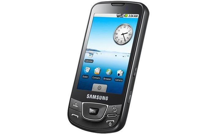 1.5 Cupcake (2009): Là bản cập nhật lớn đầu tiên của Android, Cupcake thêm vào tính năng hiển thị widget cho màn hình chủ, bàn phím trên màn hình, quay video và tính năng sao chép và dán được áp dụng cho trình duyệt web.
