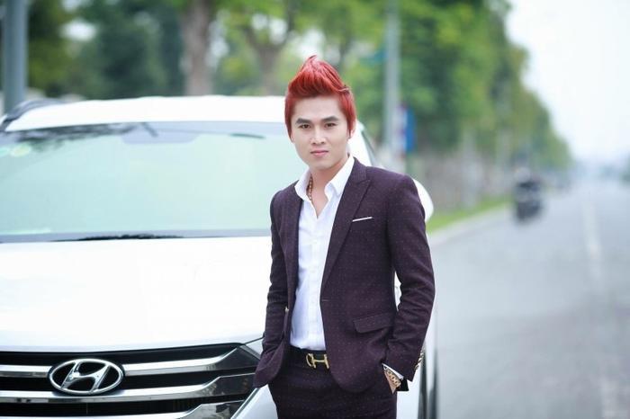Hình ảnh ca sĩ Du Thiên.