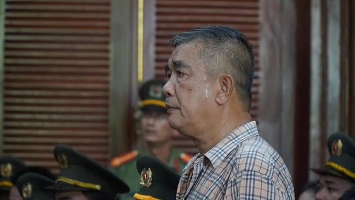 Cha bị cáoVăn Kính Dương tại tòa. Ảnh: báo Pháp Luật TP. HCM