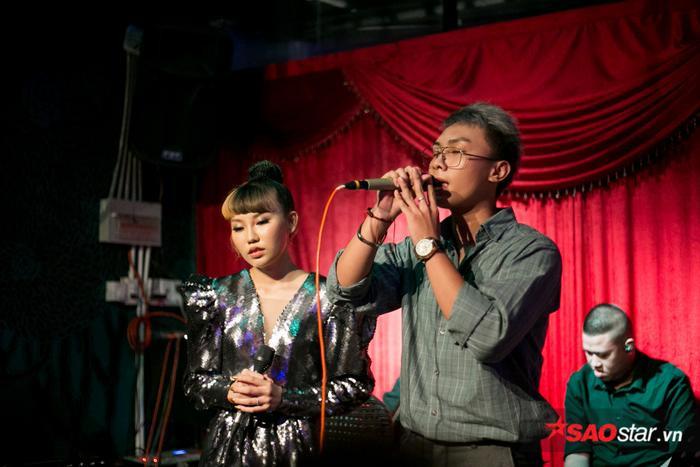 Tiết mục song ca của Châu Nhi và Tuấn Anh