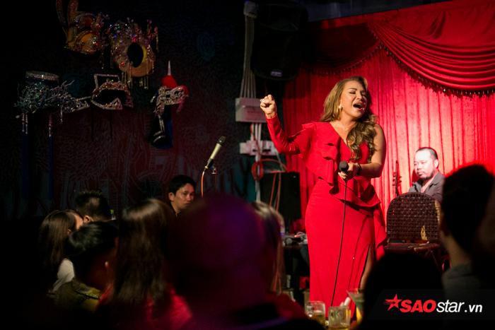HLV Thanh Hà đã đầu tư một đêm nhạc chỉn chu cho các học trò của mình