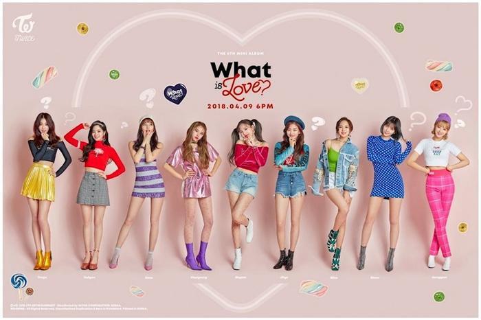 Hình ảnh nhí nhảnh của Twice cùng với What Is Love?