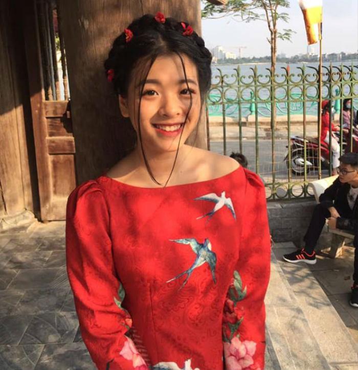6 năm sau cuộc thi Giọng hát Việt nhí, Hồng Khanh ngày càng xinh đẹp.