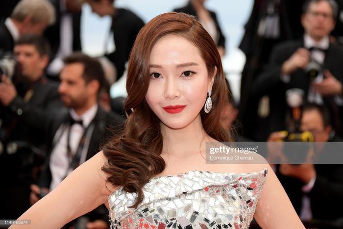 Jessica Jung – nữ ca sĩ hàng đầu Hàn Quốc, được đông đảo khán giả biết đến với tư cách là thành viên của nhóm nhạc nữ quốc dân – SNSD.