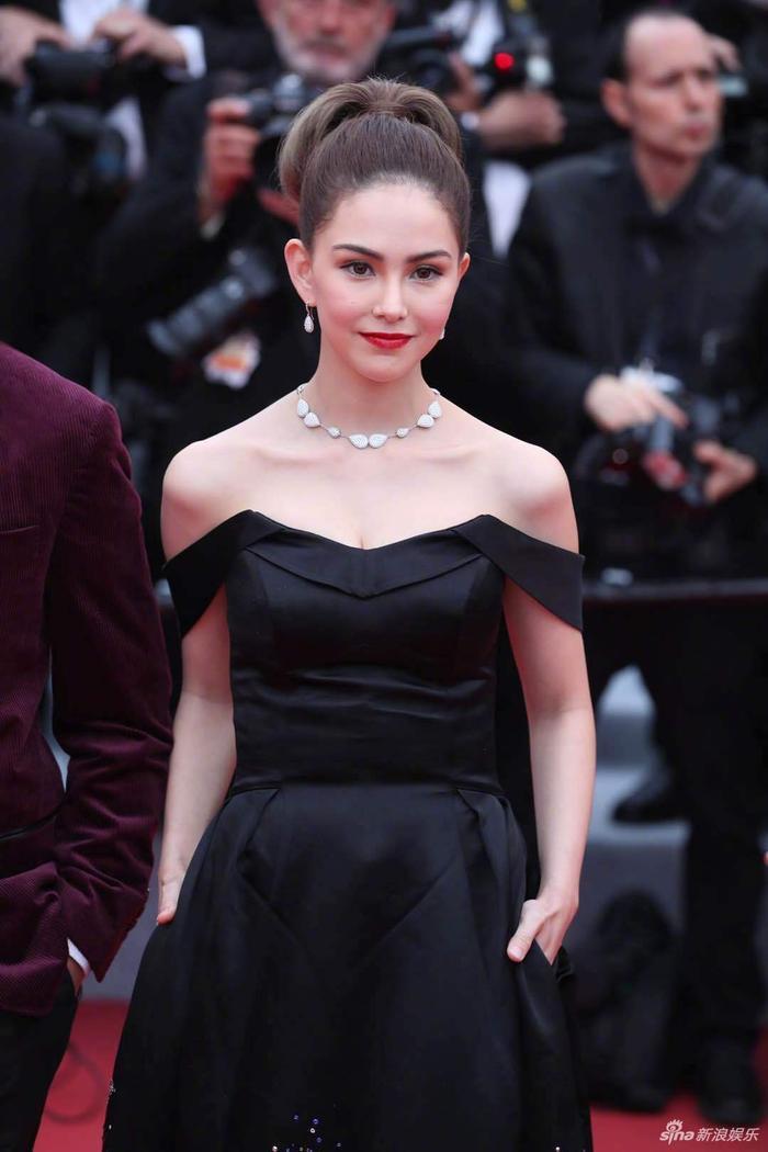 Chồng nhà người ta: Châu Kiệt Luân thuê chuyên cơ chở vợ đến LHP Cannes 2019, chủ tịch giả làm fan đứng từ xa để ngắm ảnh 6