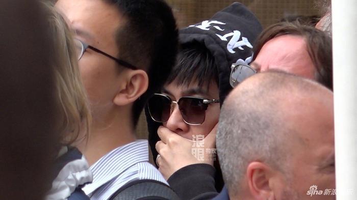Châu Kiệt Luân đóng giả làm fan để nhìn vợ, thuê chuyên cơ để chở Côn Lăng đến Pháp tham dự LHP Cannes 2019