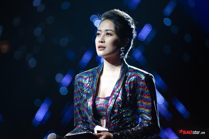 Xinh đẹp và tận tâm chính là lý do khiến Phí Linhđược giao vai trò dẫn dắt những chương trình có sức hút hàng đầu như The Voice, The Voice Kids.