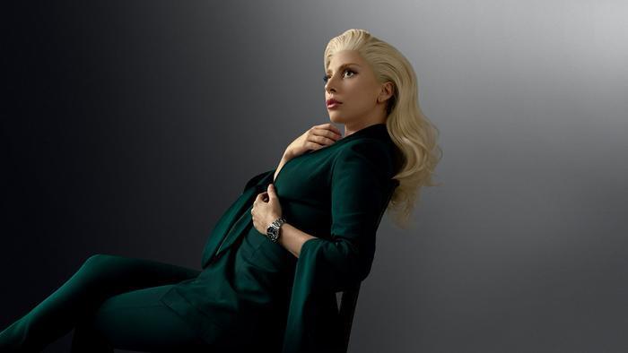 Lady Gaga là một nghệ sĩ tài năng.