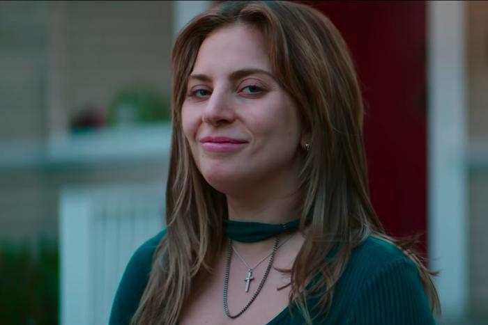 Lần đầu người ta được nhìn thấy một Lady Gaga không son phấn trên màn ảnh.