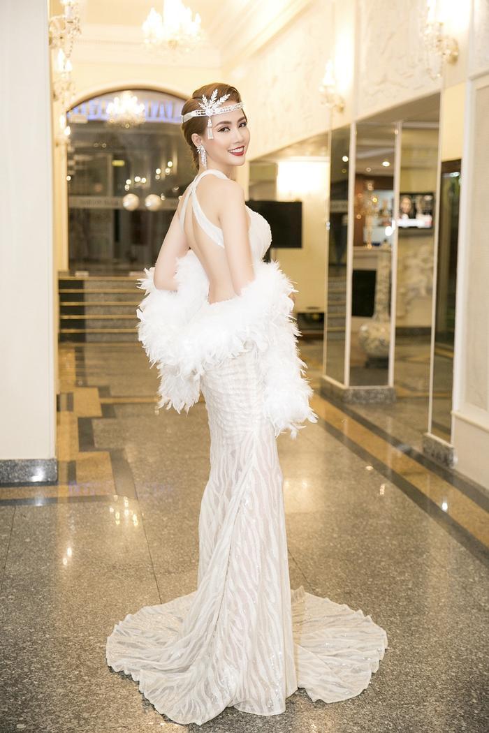 Phan Thị Mơ quyến rũ tột độ với phong cách make up nữ thần ảnh 1