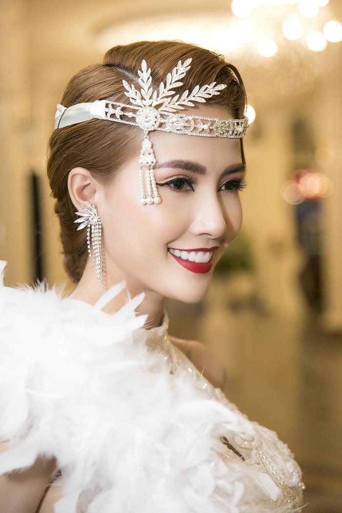 Phan Thị Mơ quyến rũ tột độ với phong cách make up nữ thần ảnh 5