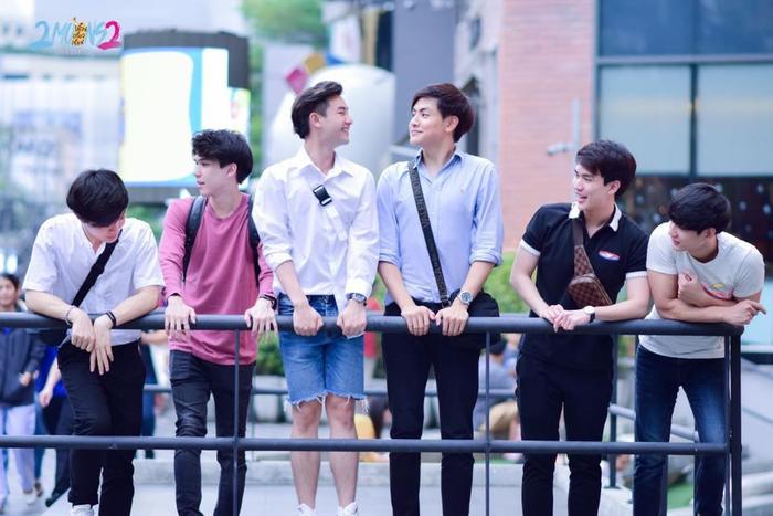 6 chàng trai và 3 câu chuyện tình