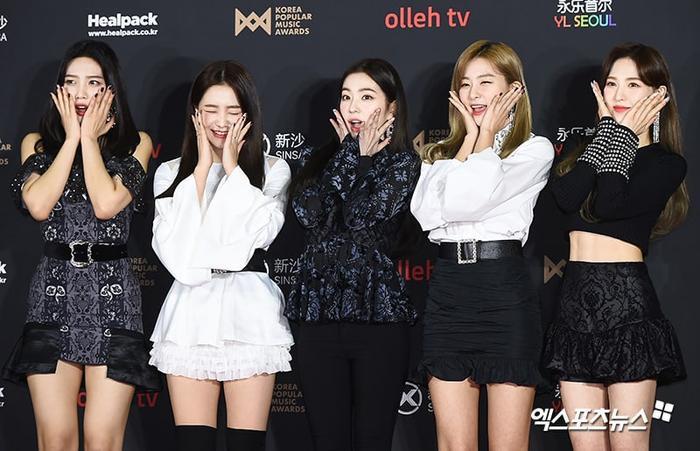5 đóa hoa xinh xắn mang tên Red Velvet.
