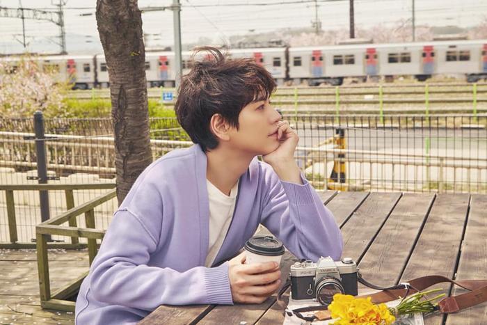 """Những hình ảnh """"thả thính"""" mới nhất của Kyuhyun cho album The Day We Meet Again."""