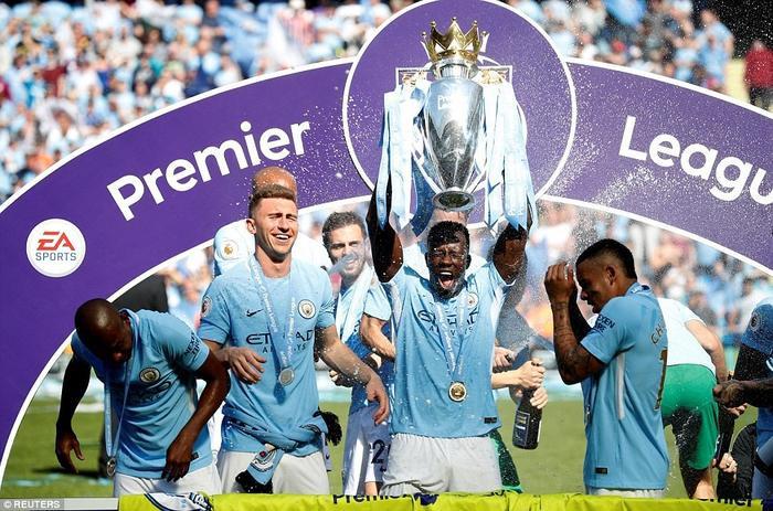 Manchester City vừa giành 2 chức vô địch Carabao Cup và đặc biệt là Ngoại hạng Anh.