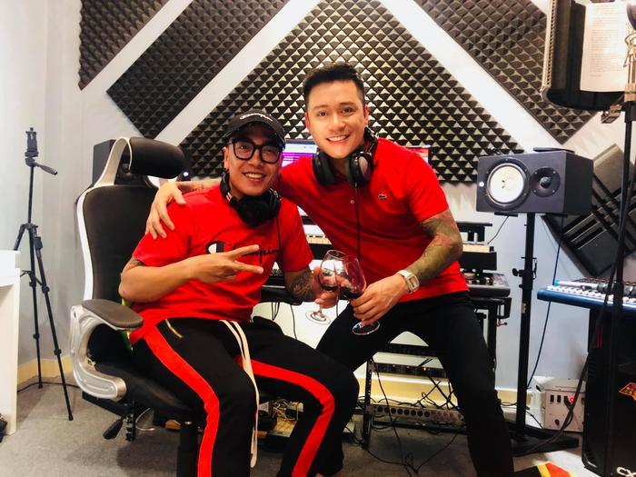 Nguyễn Hoàng Duy cảm thấy rất vinh dự và háo hức khi trở thành cố vấn chuyên môn cho Team Tuấn Hưng tại The Voice 2019.