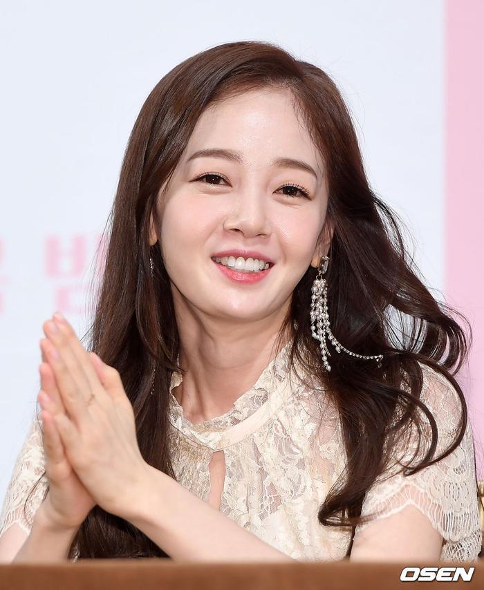 Họp báo Dan Only Love: Shin Hye Sun thùy mị bên L (Infinite) và tài tử Lee Dong Gun ảnh 11