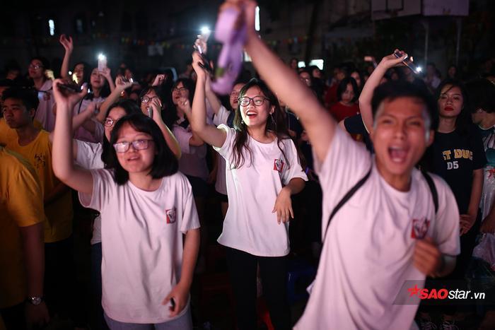Teen cuối cấp THPT Việt Đức khoe sắc màu cá tính trong lễ trưởng thành ảnh 9