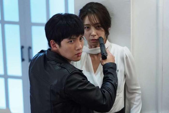 Ngoài Hoàng hậu Ki, đây là những bộ phim truyền hình phải xem của nam thần Ji Chang Wook! ảnh 19